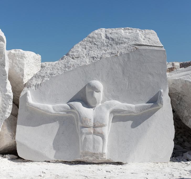 Фото №1 - Российский скульптор Петр Зайцев— победитель Scogliera Viva в Италии