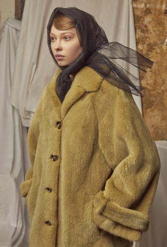 Фото №5 - Пять крутых российских брендов с Mercedes-Benz Fashion Week Russia, которыми стоит гордиться