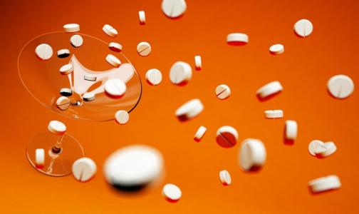 Фото №1 - Ученые призвали перестать бесконтрольно пить аспирин