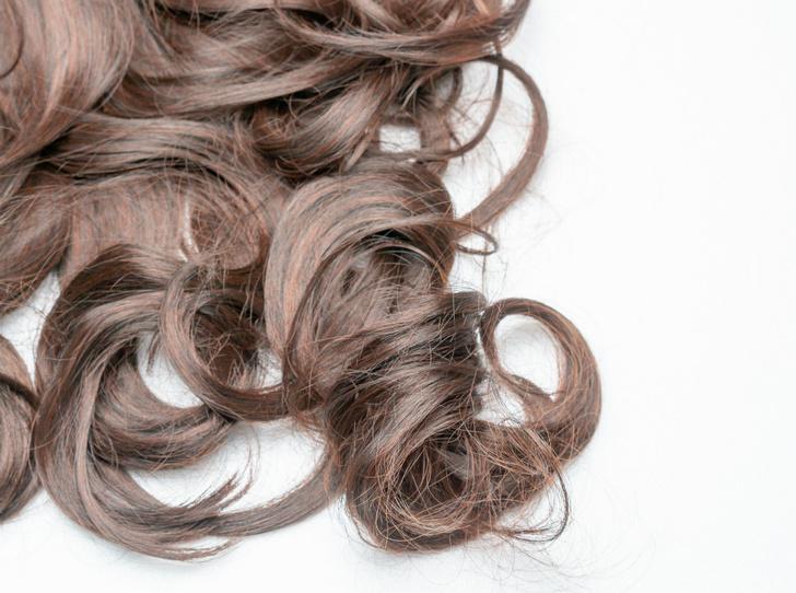 Фото №3 - Сколько волос вы теряете каждый день (и что с этим можно сделать)