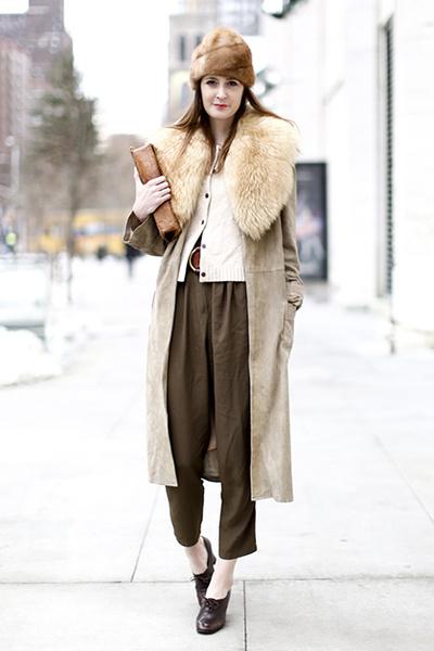 Фото №5 - Нескучные способы носить классическое пальто