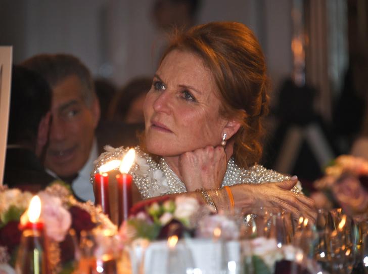 Фото №1 - Звездный час и бремя Сары Фергюсон: что не так с присутствием тети Гарри на его свадьбе
