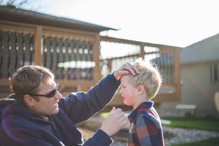Фото №2 - Воспитательный тупик: что делать, если папа слишком суров с ребенком