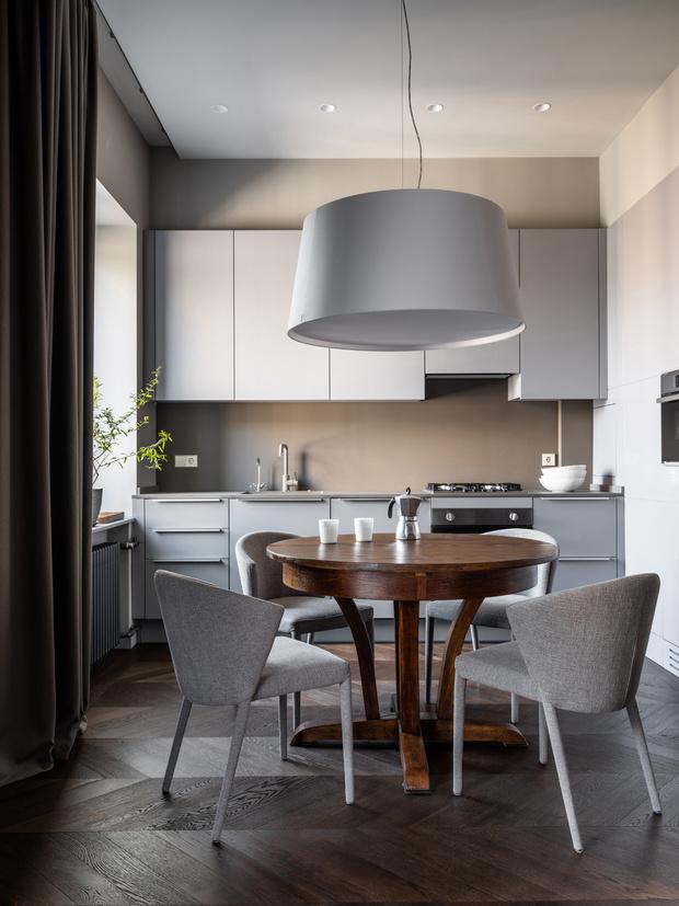 Фото №1 - Квартира с камином в нейтральных оттенках 66 м²