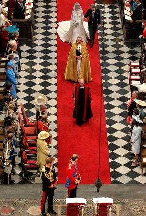Фото №5 - Переволновался: принц Уильям и его странный юмор у алтаря