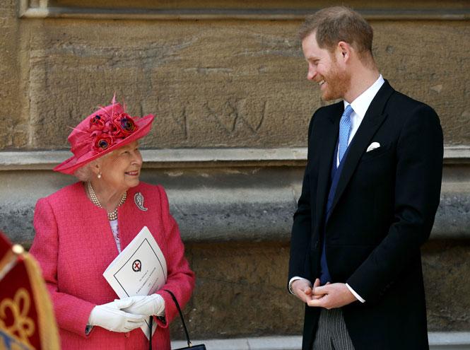Фото №9 - На радость бабушке: почему уход Гарри и Меган выгоден британской монархии