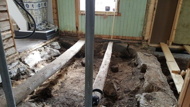 Фото №1 - Норвежская семья нашла под полом своей спальни могилу викинга X века