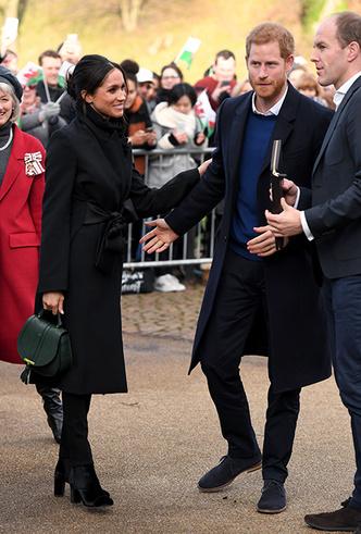 Фото №11 - Принц Гарри и Меган Маркл впервые посетили столицу Уэльса
