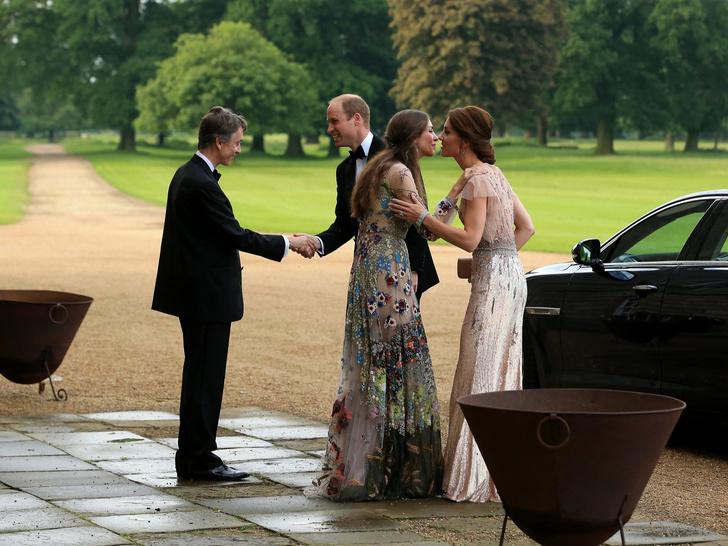 Фото №4 - Переломный момент: как Кейт отреагировала на сообщения об изменах Уильяма