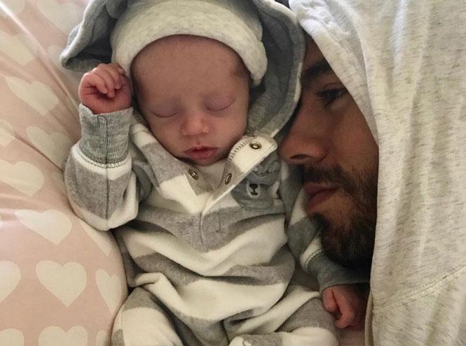 Фото №3 - 25 по-настоящему милых фото самых знаменитых отцов в мире