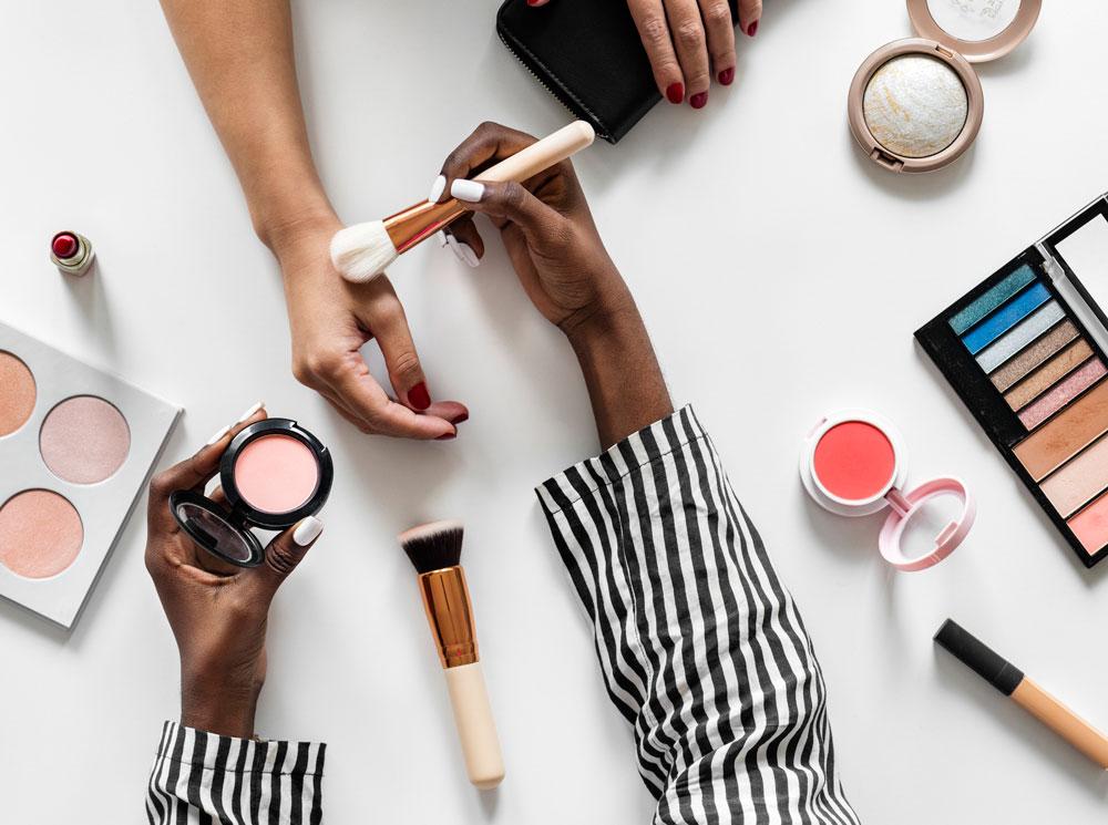 Фото №3 - Красота требует жертв: как правильно экономить на косметике