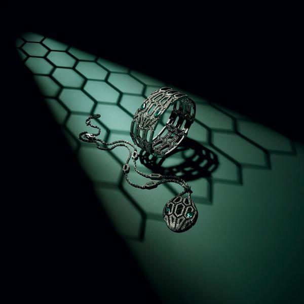 Фото №5 - Глаза змеи: новая ювелирная коллекция Bulgari