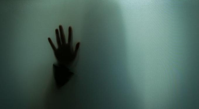 «Некуда бежать»: как изоляция развязала руки абьюзерам