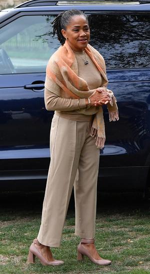 Фото №11 - Мамин гардероб: как одевается Дория Рэгланд, мама Меган Маркл