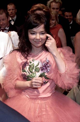 Фото №41 - Войти в историю: 35 культовых платьев Каннского кинофестиваля