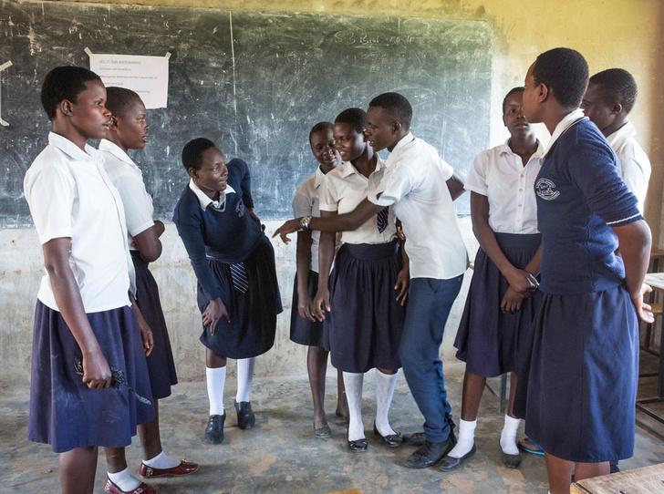 Фото №1 - Зачем девочкам ходить в школу?