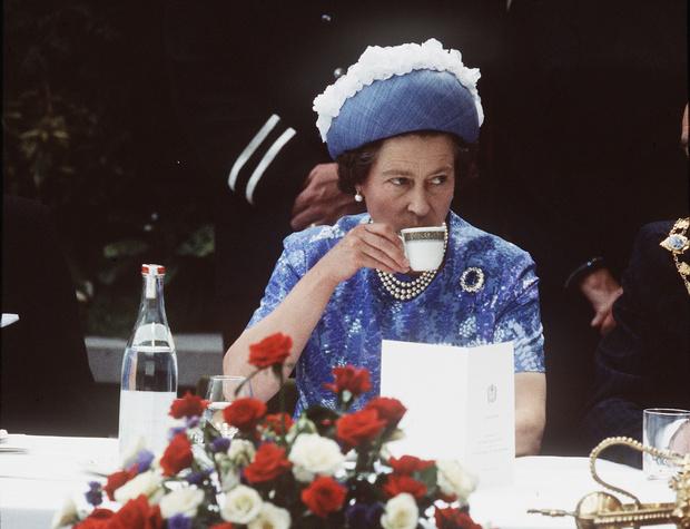 Фото №1 - Рецепты Королевы: как готовить любимый банановый хлеб Елизаветы