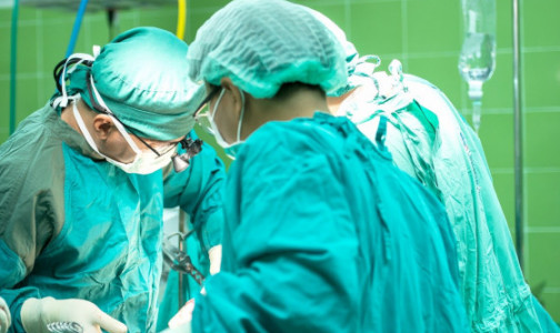 Фото №1 - Уникальный случай: в Томске спасли младенца с гигантской опухолью в сердце