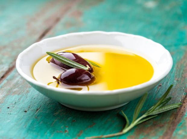 Фото №4 - Оливковое масло для кожи и волос: 5 бьюти-лайфхаков