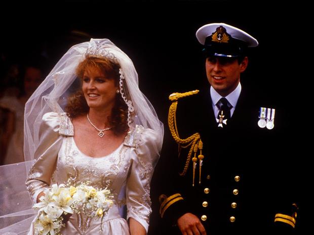 Фото №1 - Почему свадьба Сары Фергюсон и принца Эндрю едва не привела к дипломатическому скандалу