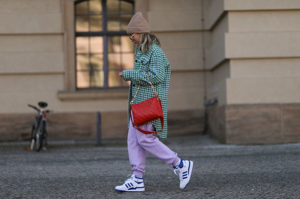 Модные кроссовки весна 2021: тренды, фото, где купить