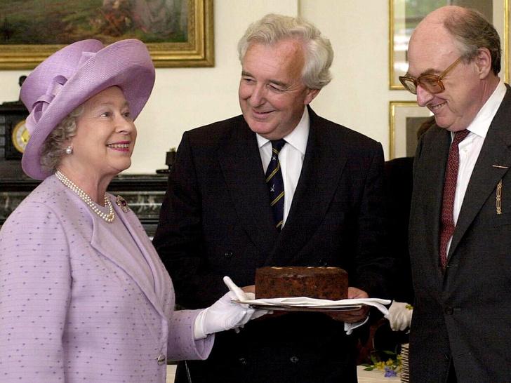 Фото №1 - Любимый шоколадный торт Виндзоров: рецепт, с которым справится даже новичок