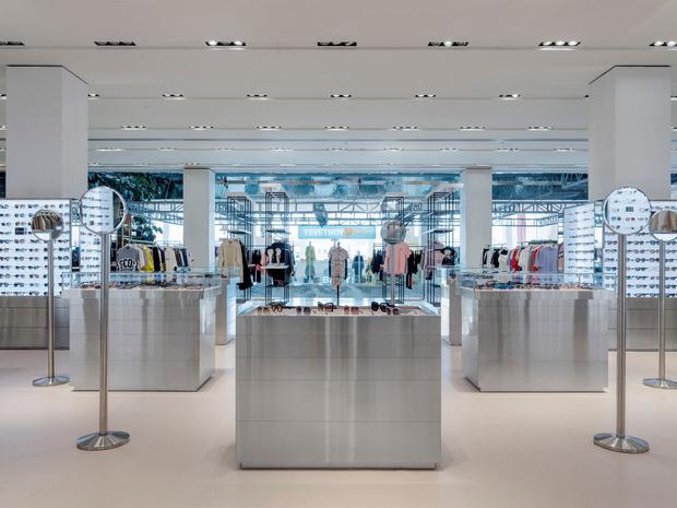 Фото №2 - Обновленный корнер Ochki Boutique в универмаге «Цветной»