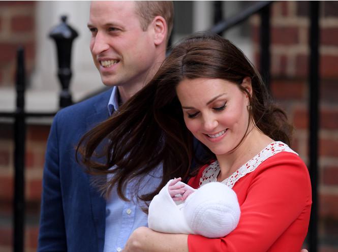 Фото №3 - Материнские инстинкты: в чем Кейт Миддлтон копирует принцессу Диану