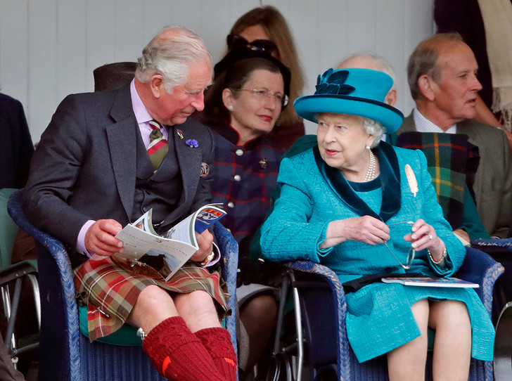 Фото №2 - Для кого Королева планирует приватную вечеринку в Букингемском дворце?