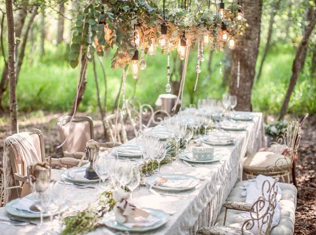 Фото №1 - 8 вдохновляющих примеров свадебного декора