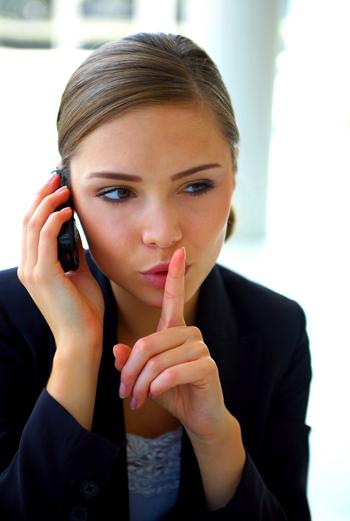 Не вздрагивайте при каждом звонке. Даже если это звонит Он, даже если на часах - полночь