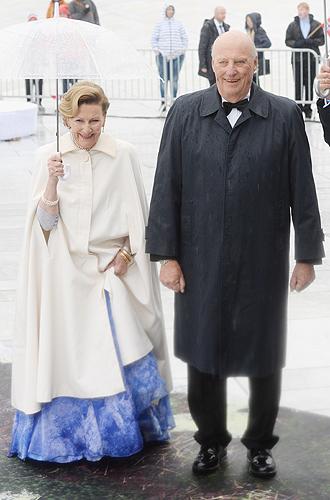 Фото №22 - Забавы королевского двора: самые интересные моменты юбилея Харальда и Сони