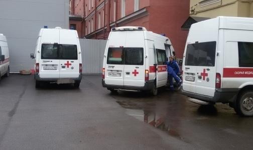Фото №1 - Как врачи «Скорой помощи» автомобильные пробки руками разгоняют