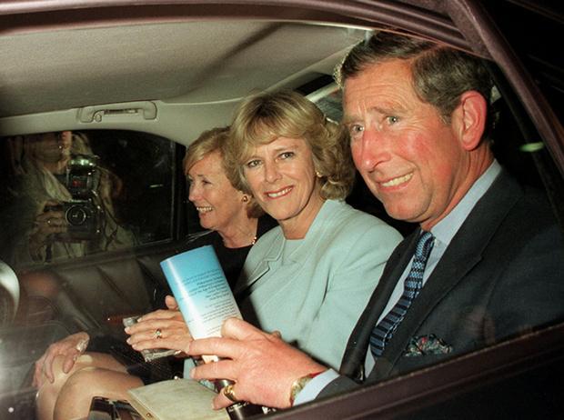 Фото №7 - В тени Дианы: как Камилла отвоевала популярность у принцессы Уэльской (и как ей помогал Чарльз)