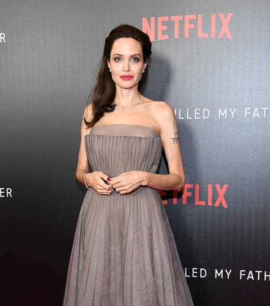 Фото №2 - Все ее трещинки: как на самом деле выглядит вблизи Анджелина Джоли
