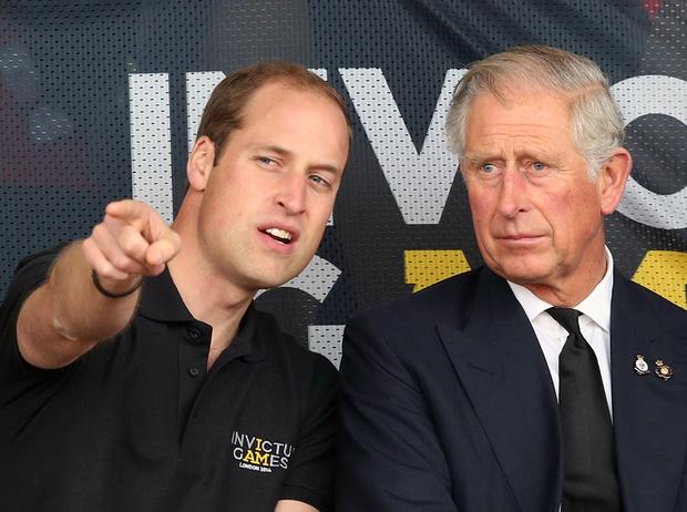Фото №1 - Почему принцы Уильям и Чарльз не хотят переезжать в Букингемский дворец в будущем