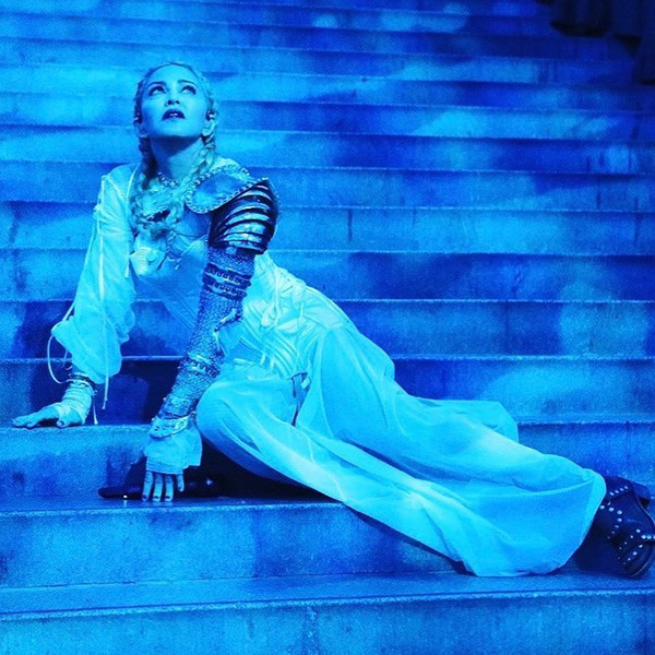 Фото №5 - Мадонна затмила Божественный свет на Met Gala 2018