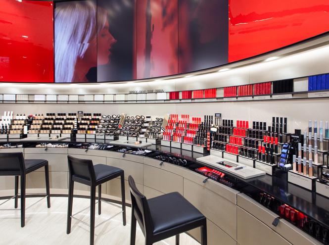 Фото №6 - Первый в Европе: в Москве открылся парфюмерно-косметический бутик Giorgio Armani Beauty
