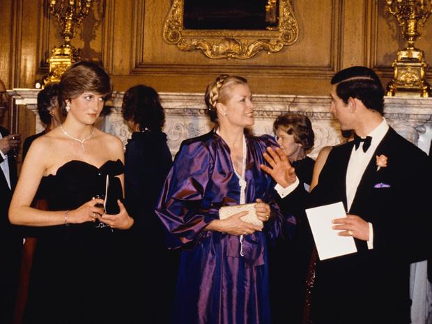 Фото №2 - Разъяренная принцесса: что Чарльз запретил делать Диане (а Королева разрешила)