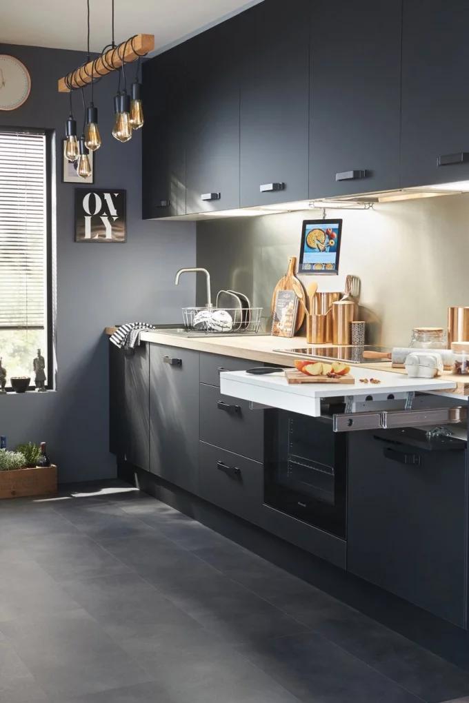 Фото №8 - Маленькая кухня: 8 полезных идей и лайфхаков