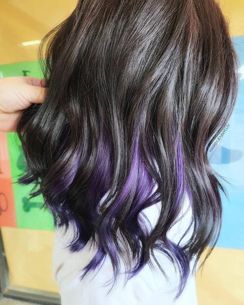 Фото №3 - 10 крутых идей скрытого окрашивания для разного цвета волос