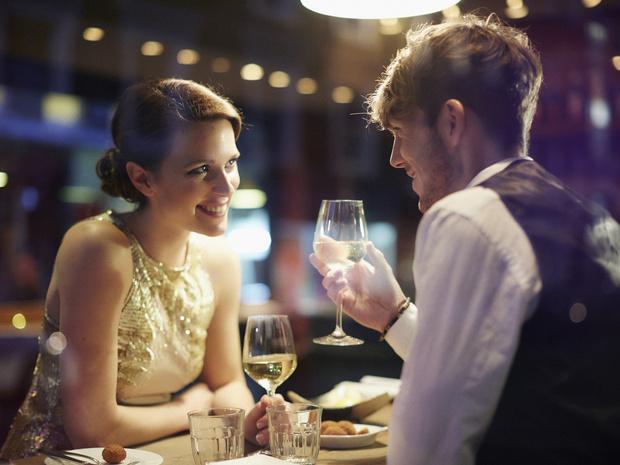 Фото №2 - Этикет на первом свидании: 5 правил, чтобы произвести хорошее впечатление