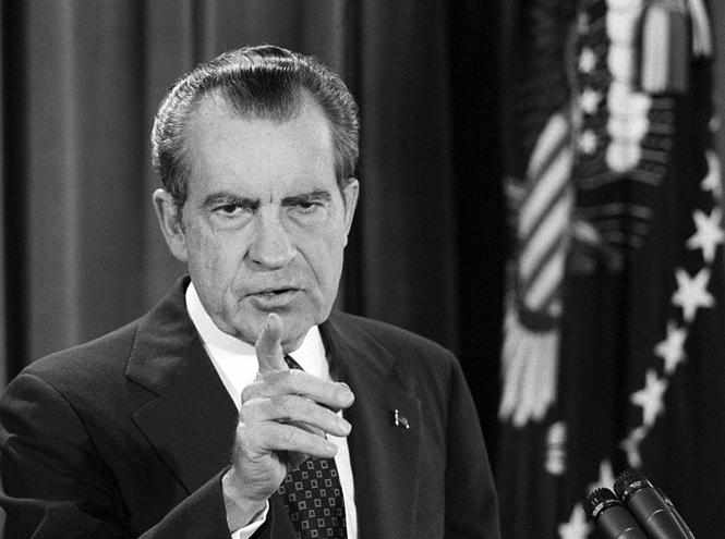 Фото №5 - От Уотергейта до «Бунга-бунга»: 7 самых громких скандалов в мире большой политики
