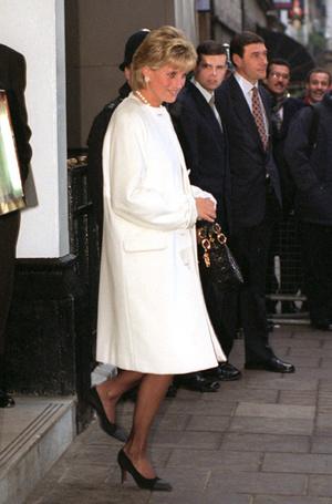 Фото №13 - Леди Диана и Lady Dior: история любви принцессы и сумки