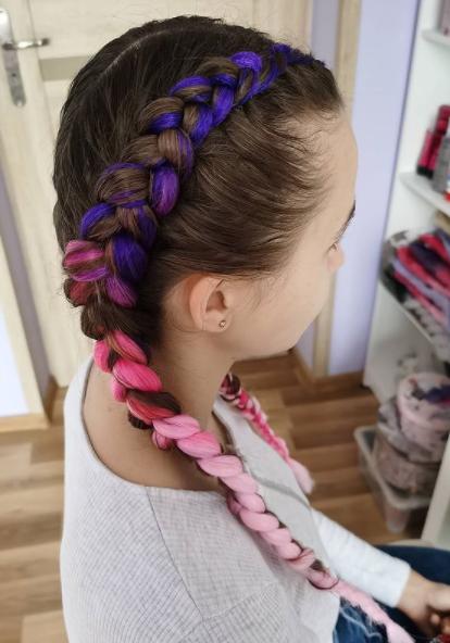 Фото №4 - Прически с косами: 8 стильных вариантов на лето