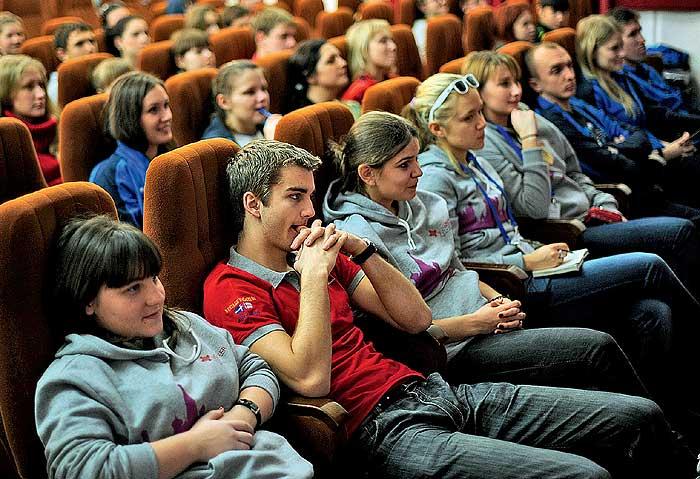 Фото №3 - Как работают волонтеры на Олимпиаде в Сочи
