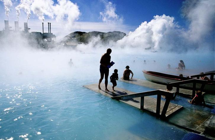Фото №1 - Чистая энергия: как исландцы научились выращивать землянику круглый год