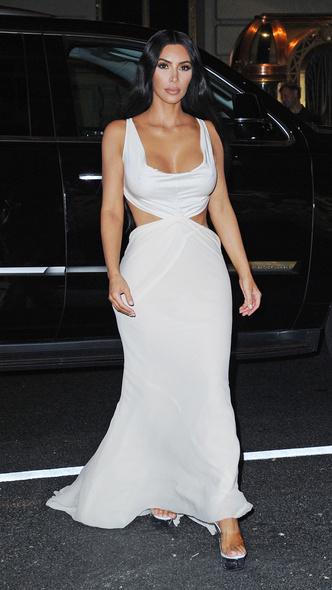 Фото №12 - Первая леди Уэст: как Ким Кардашьян могла бы одеться на инаугурацию Канье