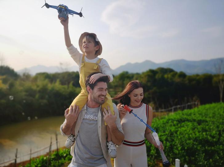 Фото №1 - Почему вам в отпуск нужен новый смартфон Huawei P20 Pro
