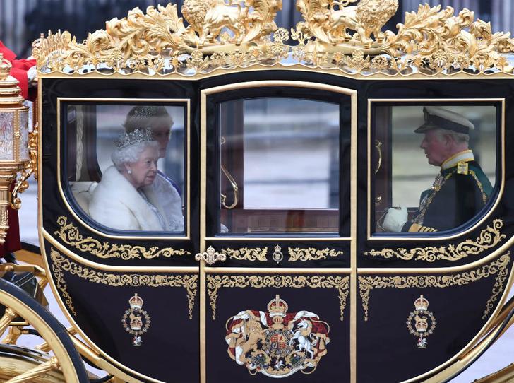 Фото №5 - Предательство Гарри: за что Королева и принц Чарльз не могут простить герцога Сассекского